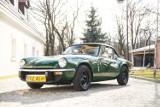 Niezwykłe samochody przyjechały do Warszawy. Są warte fortunę, ale możesz je kupić! [ZDJĘCIA]