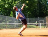 Mistrzostwa Gminy Puck w Tenisie Ziemnym. Kobiety i mężczyźni zagrają na kortach przy Hotelu SPA Wieniawa. Jak dołączyć do zawodów?