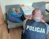 Brzezińscy policjanci znaleźli nielegalne wyroby tytoniowe o wartości blisko 17 tys. zł