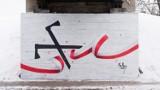 """""""Góralskie Veto"""" w Nowym Sączu. Nowy mural głosem wsparcia sądeckiego artysty dla branży turystycznej [ZDJĘCIA]"""