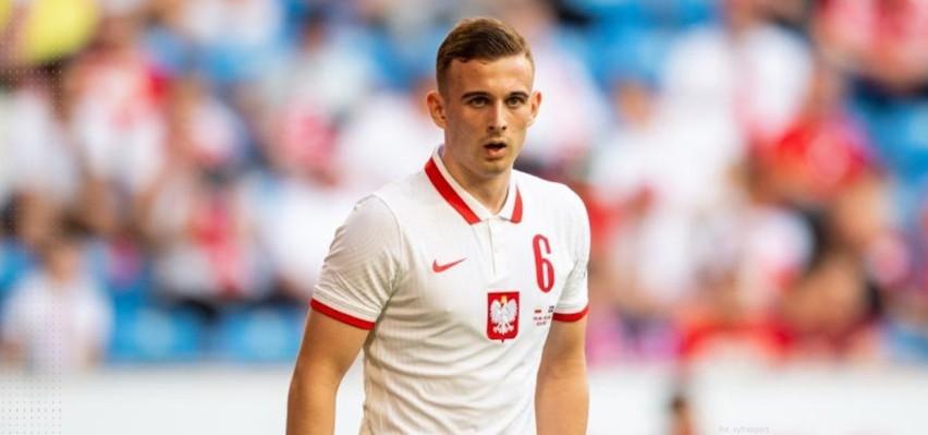 Kacper Kozłowski podczas meczu Polska - Islandia.
