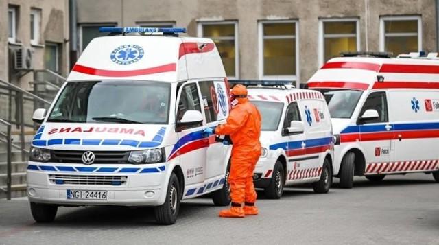 Nie przyjęto go w 11 szpitalach: 72-letni mężczyzna z Tarnowskich Gór zmarł. Nie był zakażony koronawirusem.