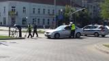 Częstochowa: Wypadek w alei NMP. Samochód potrącił 27-letniego rowerzystę [ZDJĘCIA]