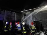 10 zastępów strażackich walczyło z pożarem w Bartochowie. Straty 100 tysięcy - ZDJĘCIA