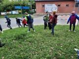 """Wielkie sprzątanie w Opatowie. W akcji wzięli udział uczniowie """"Jedynki"""" (ZDJĘCIA)"""