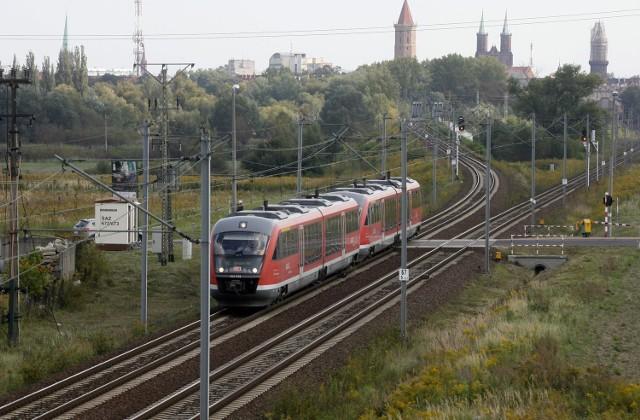 Pociąg Brzeg Dolny