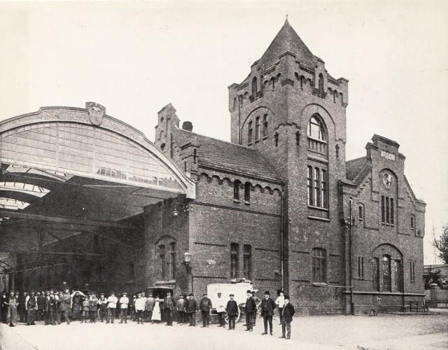 Toruńska rzeźnia po rozbudowie, podczas której powstał pierwszy w regionie strop żelbetowy. Przykrył on halę wjazdową od strony ul. Targowej
