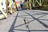 Most Zamkowy w Opolu. Piesi skarżą się na stan chodników. Drogowcy przekonują, że są w porządku