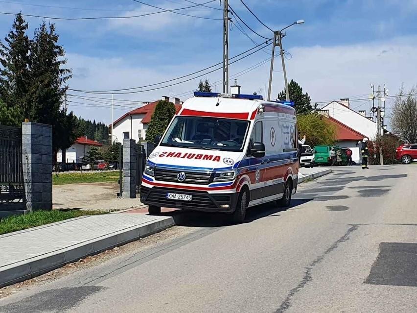Na ratunek poparzonemu 15-latkowi ruszyli m.in. strażacy....