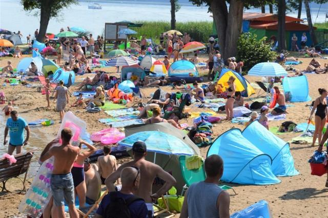 Niedziela (9.08.2020) - plaża w Niesulicach, jezioro Niesłysz