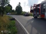 Wypadek w Tymowej. Zderzenie motocyklisty z samochodem osobowym. Kierowca jednośladu ranny [ZDJĘCIA]