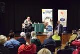 Mieszkańcy Pruszcza spotkali się z prof. Adamem Bodnarem. O demokracji i nie tylko |ZDJĘCIA