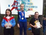 Medale uczniów z Przechlewa w Mistrzostwach Uczniów Szkół Wiejskich w biegach przełajowych w Konarzynach