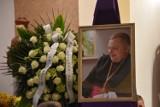 Wierni pożegnali proboszcza parafii Świętego Karola Boromeusza w Wejherowie. Pogrzeb ks. Piotra Lewańczyka [ZDJĘCIA]