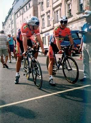 Dariusz Flak (z lewej) jest mistrzem w dwójkach, lecz zajął miejsce dopiero w drugiej dziesiątce ze startu wspólnego. Foto: HENRYK PRASKI