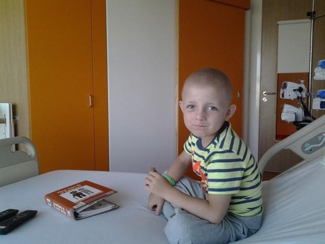 Mama chłopca wierzy, że jej syn będzie walczył.  Jest przekonana, że Szymonek leczenie w Belgii zniesie równie dzielnie jak w kraju