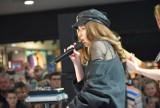 Koncert Roksany Węgiel w Rybnik Plaza [ZDJĘCIA]. Na występ Roxie przybyły tłumy.
