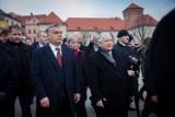 """Koronawirus osłabia demokrację. Niemiecka prasa pisze o Polsce, Węgrzech i Wielkiej Brytanii. """"Demokracja na kwarantannie"""""""