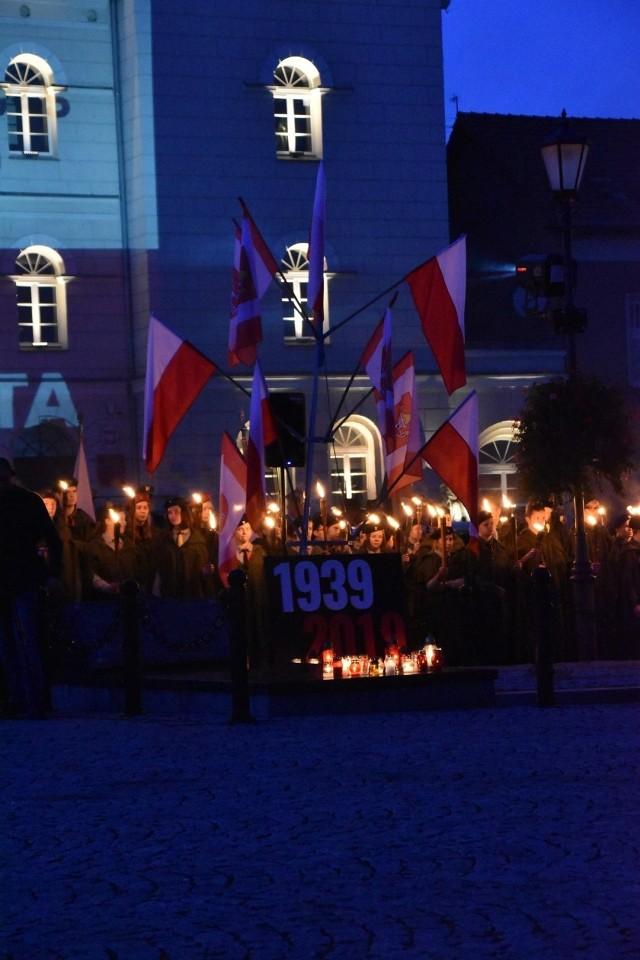 Obchody rocznicy 20 Października na śremskim rynku