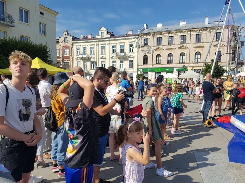W niedzielę, 16 sierpnia, w centrum Kielc pojawili się...