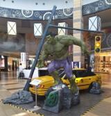 Wystawa superbohaterów w SCC. Są tu Hulk, Iron Man, Kapitan Ameryka, Thor i Czarna Pantera
