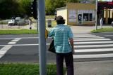 W czasie pandemii nowe przyciski dla pieszych na przejściu przez ul. Murawa sprawdzą się idealnie. Trwają testy innowacyjnych sensorów