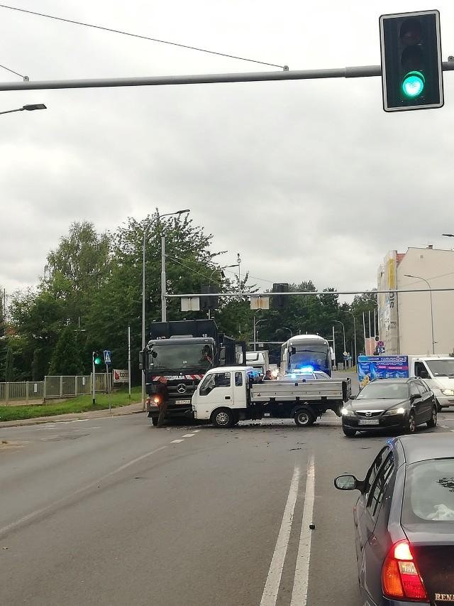 Do zderzenia dwóch dużych samochodów ciężarowych dzisiaj rano na Piaskowej Górze