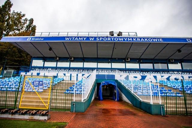 Stadion Hutnika Kraków w jubileuszowym roku, już po remoncie