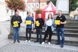 Protest w obronie wolnych mediów na rynku w Oleśnicy. Zobaczcie zdjęcia!