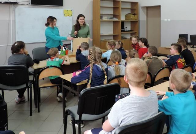 Niedawno gminę opuściły Daria Frolova z Ukrainy i Anahit Yeprikyan z Armenii