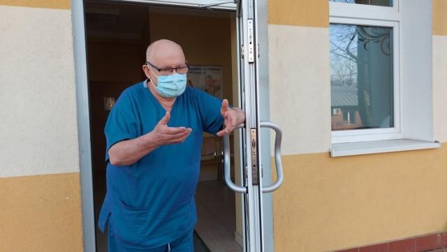 Jacek Smykał, kierownik klinicznego oddziału chorób zakaźnych w Szpitalu Uniwersyteckim w Zielonej Górze, od kilkunastu miesięcy, razem z całą załogą, walczy z pandemią koronawirusa.