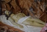 Groby Pańskie w Kaliszu. Zobacz, jak wyglądają w kościołach na Asnyka, Polnej i Dobrzecu ZDJĘCIA