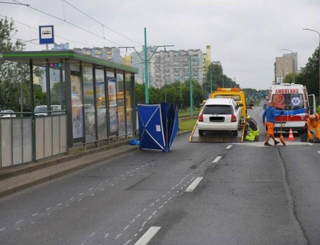 W czwartek, 1 lipca doszło do śmiertelnego wypadku na ul. Hetmańskiej w Poznaniu. Na przejściu dla pieszych zginęła 26-letnia kobieta zginęła potrącona przez samochód.
