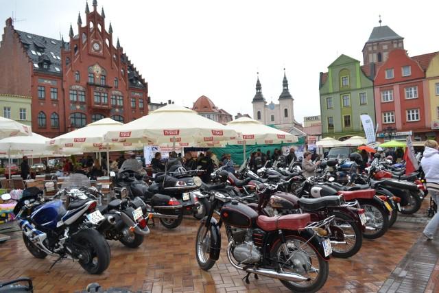 W poprzednich latach Motoserce organizowano na chojnickim Rynku, w ubiegłym roku przy Bramie Pomorza w Lipienicach