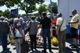 Mimo upału w piątek 18 czerwca na bazarach w Kielcach tłumy. Królowały pyszne truskawki [ZDJĘCIA]