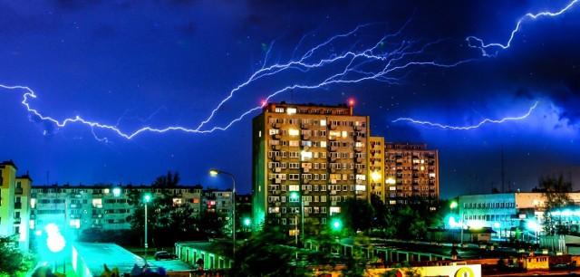 Pogoda w kujawsko-pomorskiem. W nocy możliwe wichury, ulewy, a nawet trąby powietrzne w całym regionie! IMGW wydało ostrzeżenia