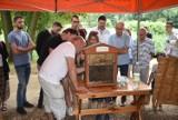 Całe rodziny brały udział w grze terenowej, najmłodsi malowali, zainteresowaniem cieszyły się stoiska z miodem. Wielki Dzień Pszczół w OKL-u