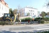 Rozpoczęły się prace na ulicy Robotniczej w Brzegu. Zostaną przebudowane przejścia dla pieszych