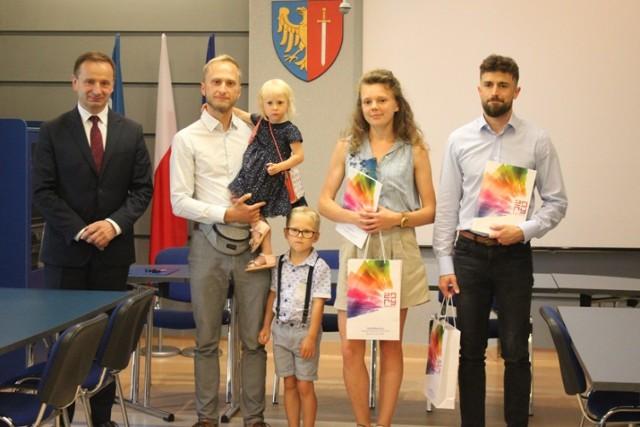Prezydent Waldemar Socha wręczył nagrody autorom najlepszych haseł