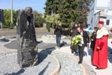 Odsłonięto pomnik Jerzego Kukuczki na AWF w Katowicach [ZDJĘCIA z inauguracji roku akademickiego]