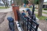 Pałacyk Muzeum Wodociągów w Bydgoszczy przechodzi remont. Trwają prace nad murowanym ogrodzeniem