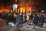 Strajk Kobiet Gniezno. Ulicami miasta przeszedł protest przeciwko zaostrzeniu prawa aborcyjnego