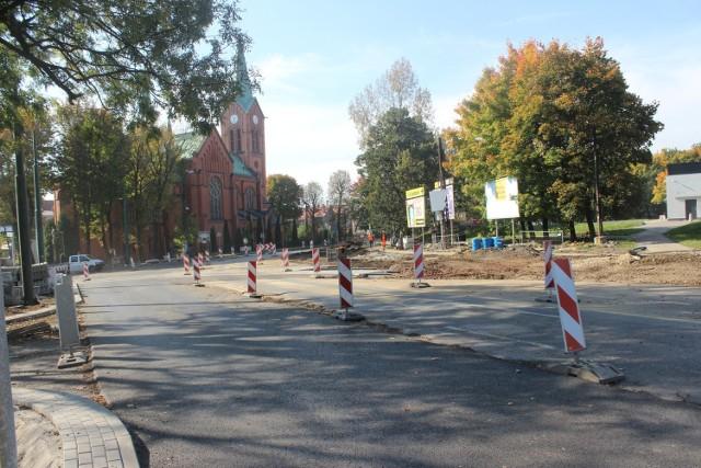 Prace przy ul. Frycza-Modrzewskiego w Bytomiu cały czas trwają. Utrudnienia do połowy listopada. Zobacz zdjęcia >>>