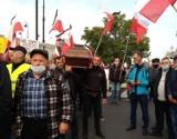 """""""PiS-owcy, idziemy po was!"""" Protest rolników przeciwko """"Piątce dla zwierząt"""""""