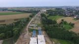 Kraków. Budowa północnej obwodnicy. Stawiają długi most. Budują wiadukt [ZDJĘCIA]