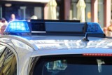 Zderzenie auta i motocykla w Ostrowcu. 20-letni kierowca jednośladu w szpitalu