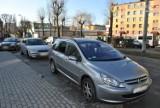Lubliniec: Policja zatrzymała wandala, który uszkodził dwa samochody [ZDJĘCIA]