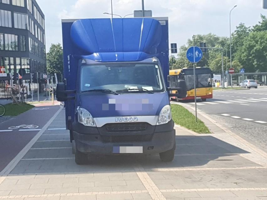Największy problem w Kielcach - kierowcy zajmują po dwa...