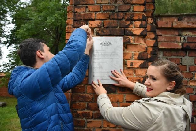 Stowarzyszenie Gliwicka 66 stara się ocalić cmentarz żydowski w Tarnowskich Górach Zobacz kolejne zdjęcia. Przesuwaj zdjęcia w prawo - naciśnij strzałkę lub przycisk NASTĘPNE