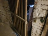 Złodzieje kradną w piwnicach. Policja z Głogowa ostrzega i przypomina jak się przed tym zabezpieczyć